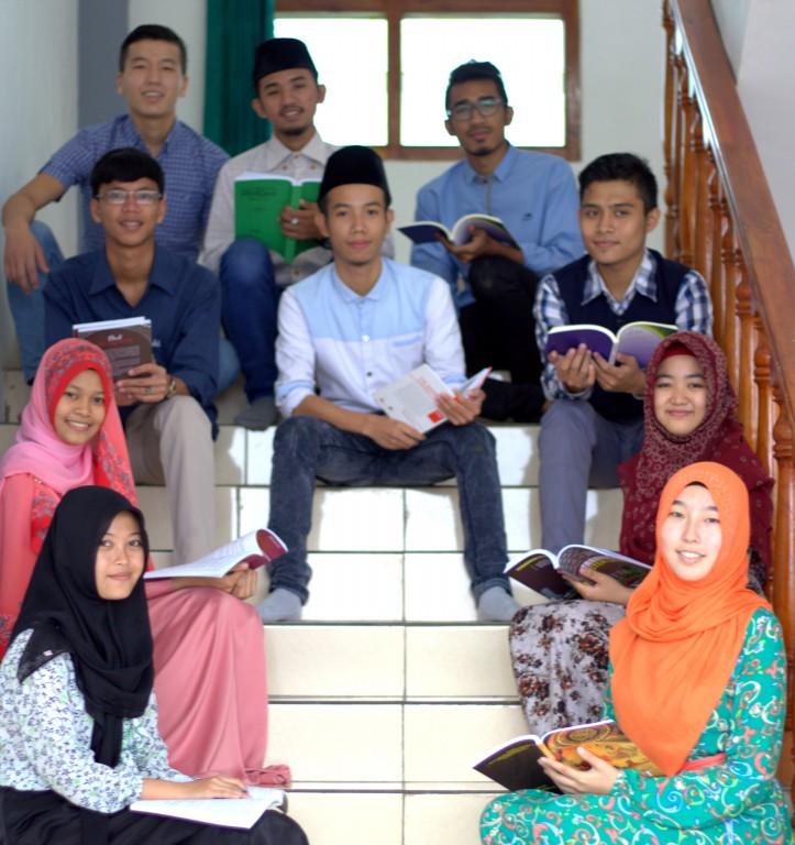 92 Pelajar dari Dalam dan Luar Negeri Terima Beasiswa S1 PERGUNU