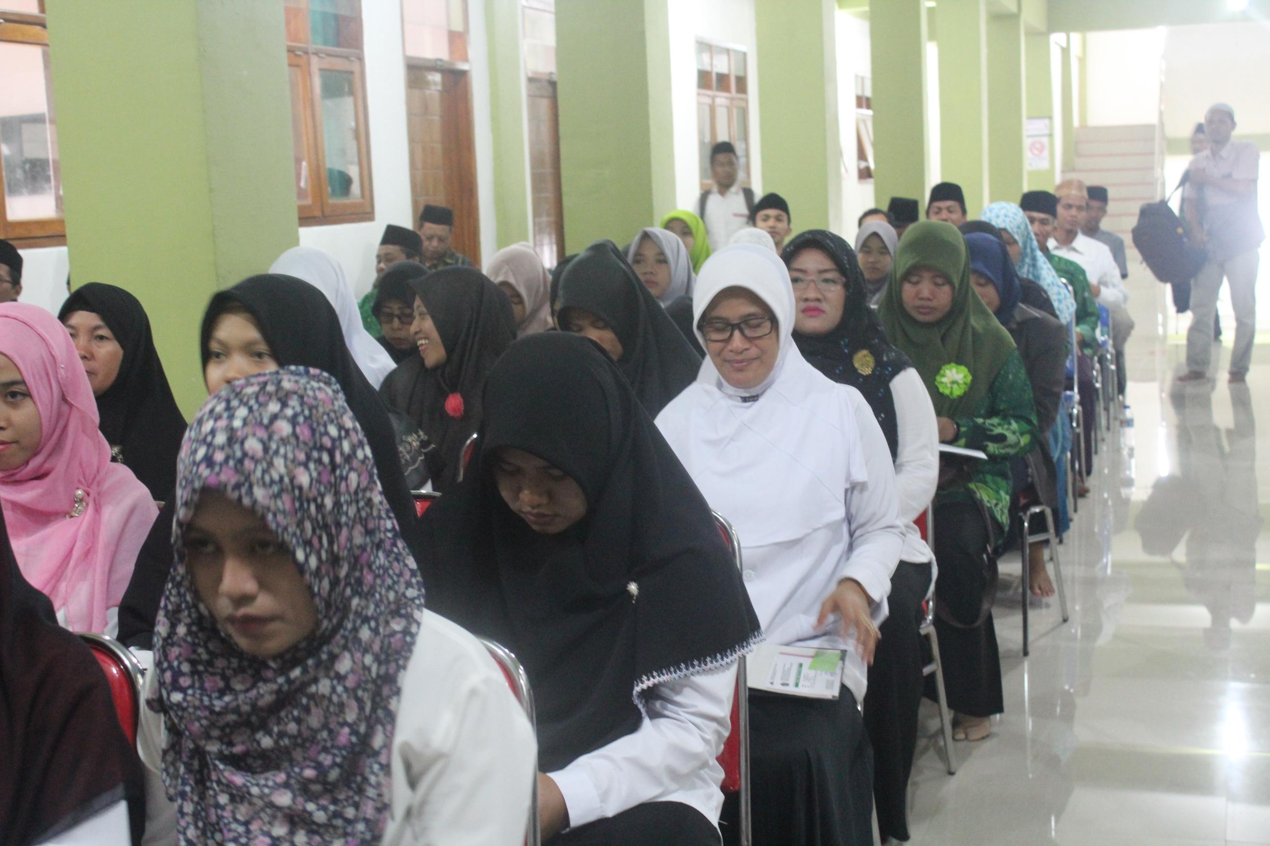 Dirjen Pendidikan Islam RI Resmikan Program Pascasarjana IKHAC