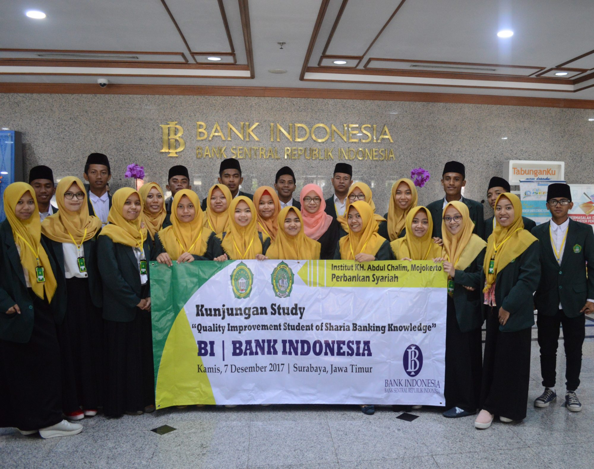 STUDI KUNJUNGAN MAHASISWA PERBANKAN SYARIAH KE BANK INDONESIA